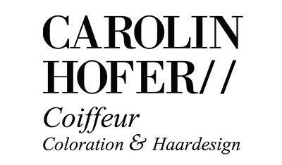 Friseurin Carolin Hofer hat eine WordPress Webseite von Pfauensohn